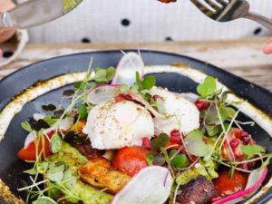 Haloumi smashed avocado